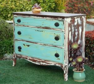MAKandJiLL Shabby Chic Dresser 1 Web