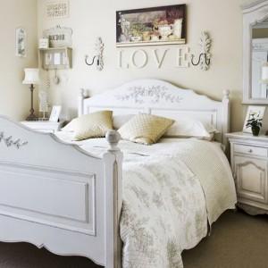 love-bedroom_resize
