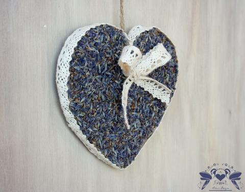 Bájos vintage levendula szív
